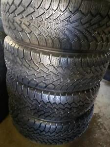 4 winter tires like new Goodyear nordic 215/60r16