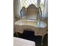Kidney-shaped dressing table - Olympus Louis French-style ornate