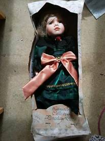 Brand new porcelain doll by Leonardo Collection