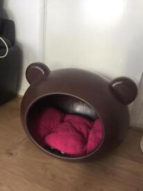 Cozy dog cave in good condition RRP £90