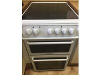 Hotpoint free standing cooker and hob only 4 months old in great condition and still under guarante