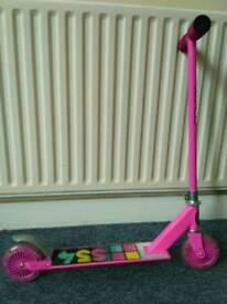 Skating skooter for girls