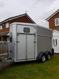 Ifor Williams Horse Trailer HB 511 2 large horses silver