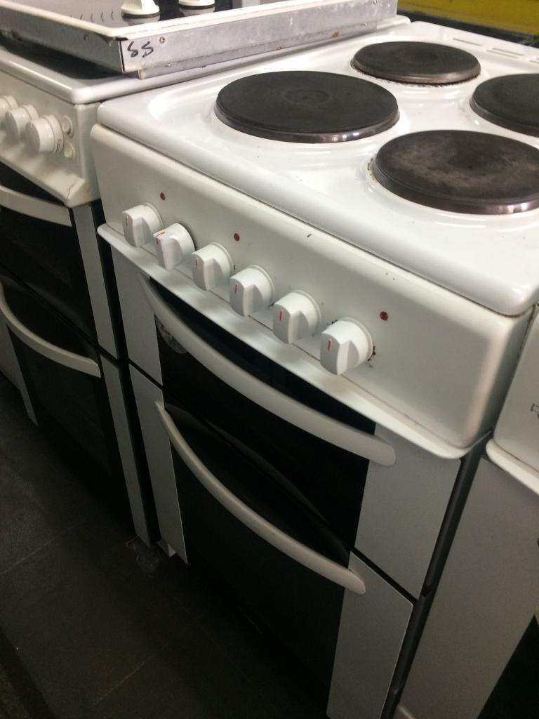 White night 50cm electric cooker grill & oven good condition with guarantee bargain