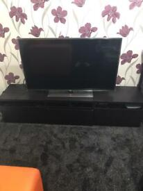 Tv units & 2 small wheels table