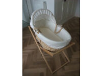Baby crib bassinet moses basket with carry handles and stand