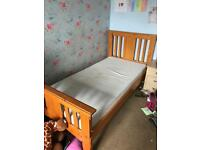 Single bed and mattress good condition, local delivery in kings lynn area