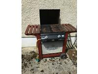 Royal barbecue with full 13 kg gas bottle