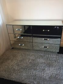 Mirrored Chest of 6 Drawers