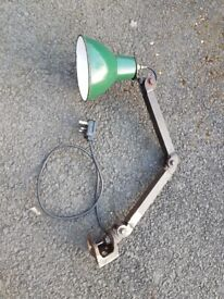 VINTAGE HEAVY DUTY ARTICULATED WALL BENCH MACHINE MOUNT ANGLEPOISE LAMP GARAGE WORKSHOP GC