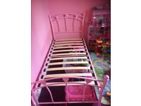 Pink heart single bed