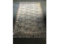 Beautiful new condition vintage style tapestry quality rug