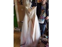 White rose size 16 ivory wedding dress