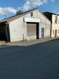 CLECKHEATON ( CARR STREET) SMALL COMMERCIAL UNIT TO LET
