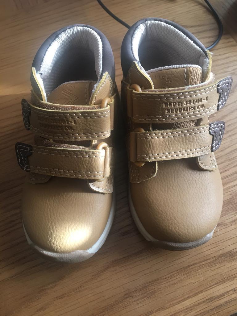 BN boys shoes