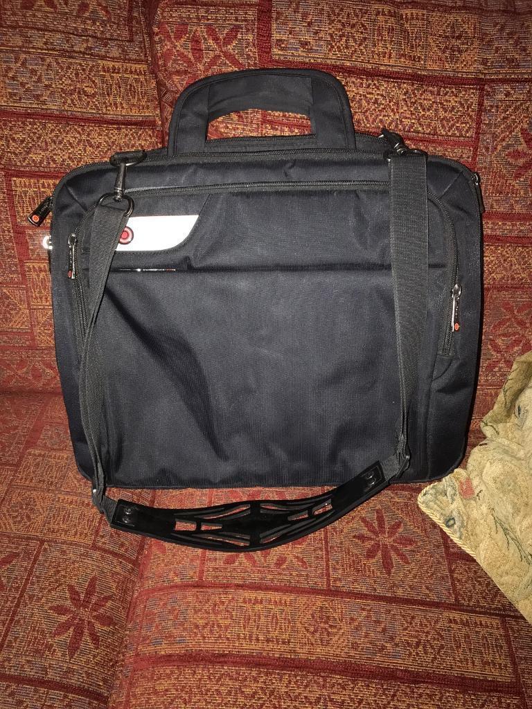 I stay laptop bag