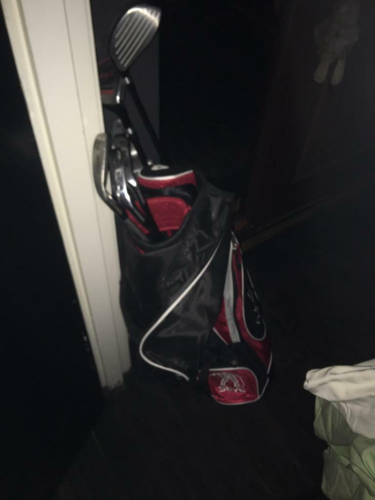 Full set of children's ( up to 12 years ) golf clubs