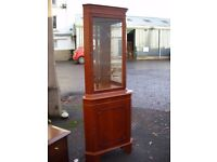 corner display unit, cupboard, cabinet, cherry veneered, fronted with 2 glass shelves and mirrors in