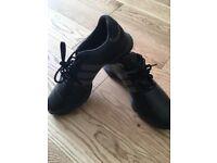 Adidas golf shoee size 7