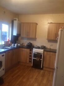 Double bedroom in a 2 bed beautiful clean house