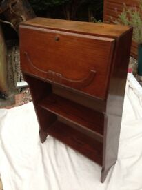 Bureau Solid oak wood vintage, in clean smart condition & good order. Macclesfield. £55 ovno