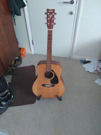 Yamhaha F310 Acoustic guitar Inc Case. Not Fender, Epiphone, Stagg.