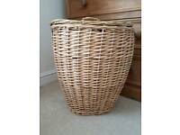 Linen / laundry / washing wicker basket