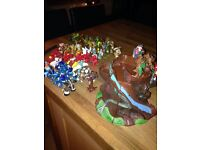 Collection of gormiti figures and treehouse - preloved but excellent condition