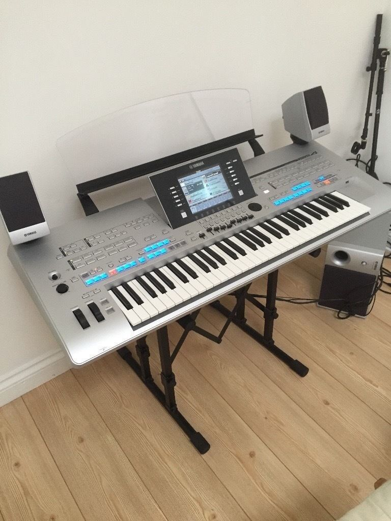 Yamaha Tyros 4 Keyboard Workstation with super tyros 5 MSO5 Speaker system