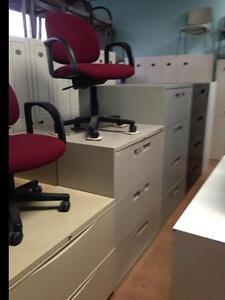 Chaise visiteur bureau dans grand montr al petites - Liquidation meuble de bureau ...