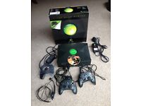 Original Xbox, Two controllers, inc. HALO-2 game