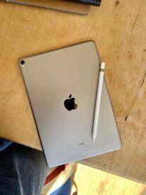 iPad Pro 10.5 (256gb + Genuine Apple Pencil)