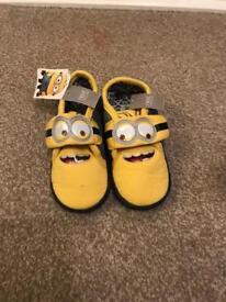 Kids slippers BNWT