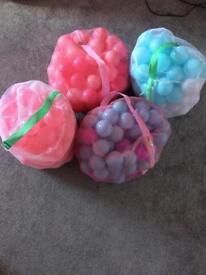 Ball pit and 400 balls