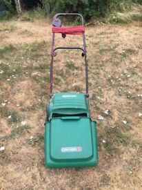Electric Lawnmower with grass box, in Richmond