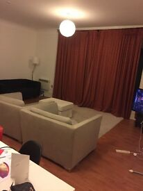 double room offer for rent £537.50!! central location!! two minutes walk to queens square