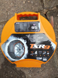 """Snow Chains - only used once. Suits car tyres 15""""-17"""". Easy to fit"""