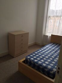 3 Bedroom Flat in Turnpike Lane, Close to Station, Large Flat, Furnished, Available NOW, Be Quick!