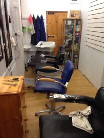 Barber shop to rent 300