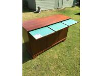 Mahogany sideboard with heat resistant slides ( can deliver )