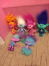 Trolls figure doll set