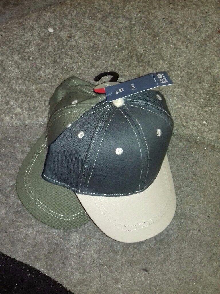 2 baseball caps/ boys short