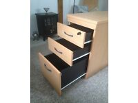3 drawer lockable pedestal filing cabinet - solid and in excellent condition