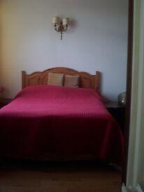 Double spacious room for 2 near Asda and tube, private bathroom.