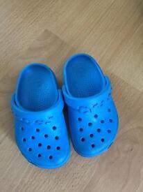 Blue size 6 crocs