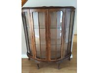Vintage 1930s China Cabinet in good condition. Buyer to collect.