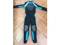 Mares 5 mm wetsuit excellent condition very cosy size 2 fits U.K. ladies size 8 135cm length
