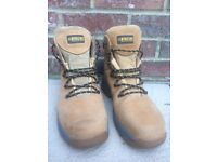 Apache work boots size 10