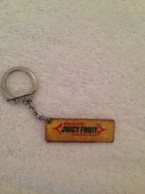 VINTAGE YELLOW WRIGLEY'S JUICY FRUIT CHEWING GUM PACKET NOVELTY KEYRING