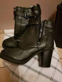 Black boots size 7